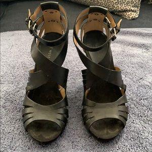 Black heeled sandal